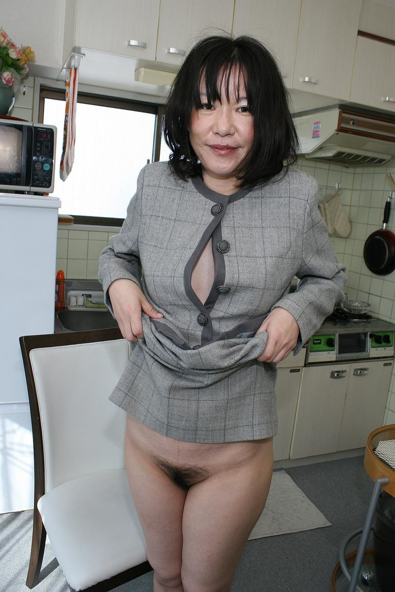 Японка с волосатой мандой 21 фотография