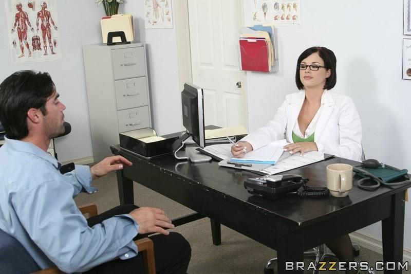 Порно фото у докторши 74
