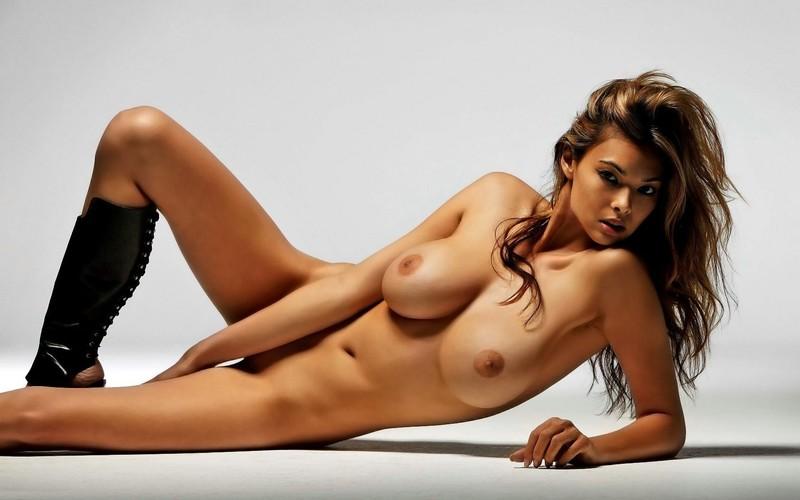 Секс фото голы девушка 19 фотография