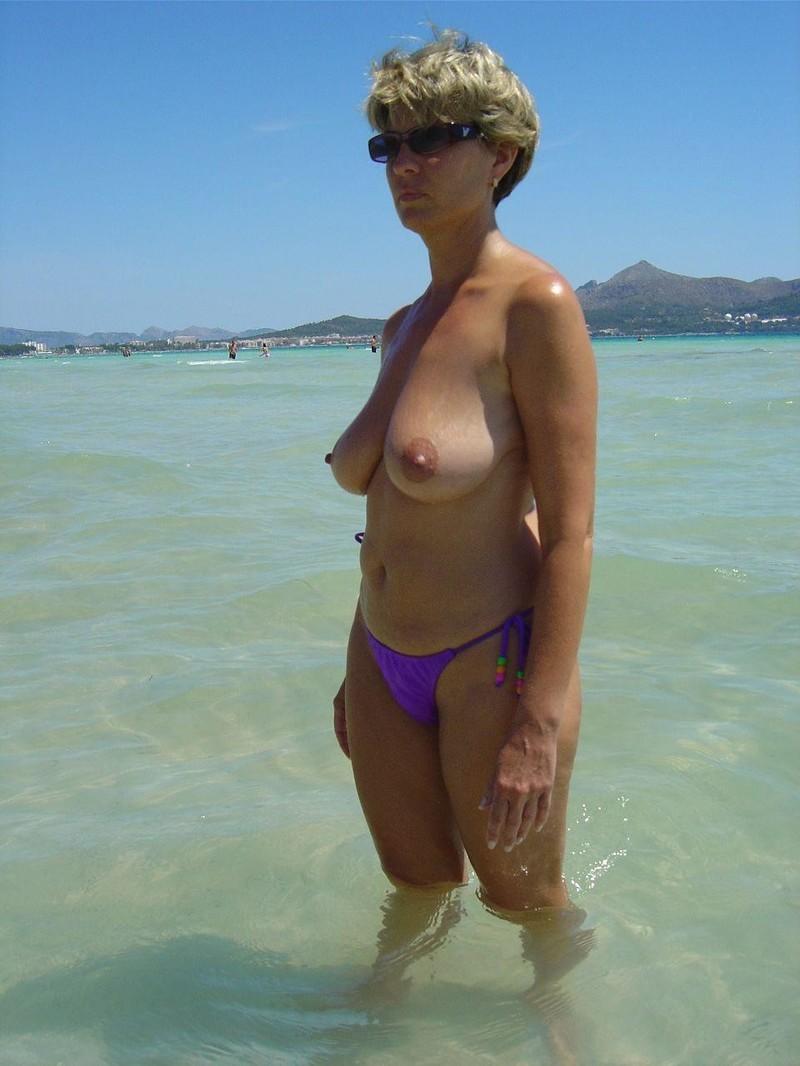 Русская зрелая женщина в купальнике 5 фотография