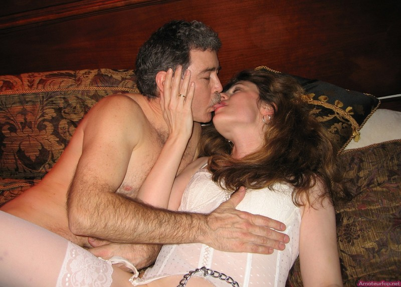 Русская семейная пара пригласила проститутку 18 фотография
