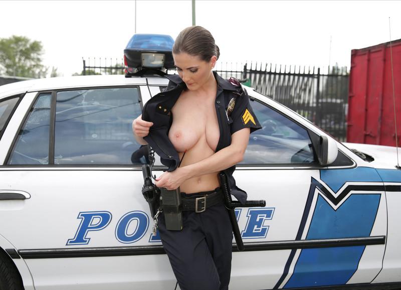 Обнаженные Полицейский Девушки