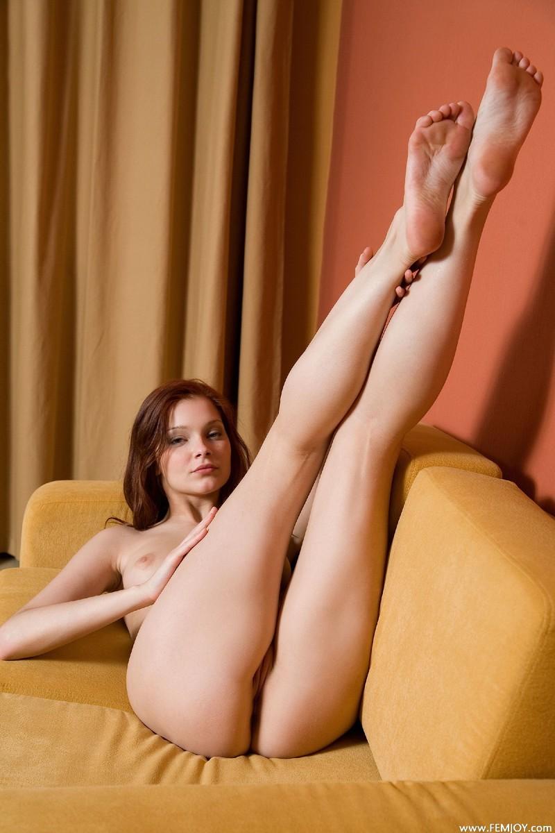 Симпатичная рыжая девушка в порно 10 фотография