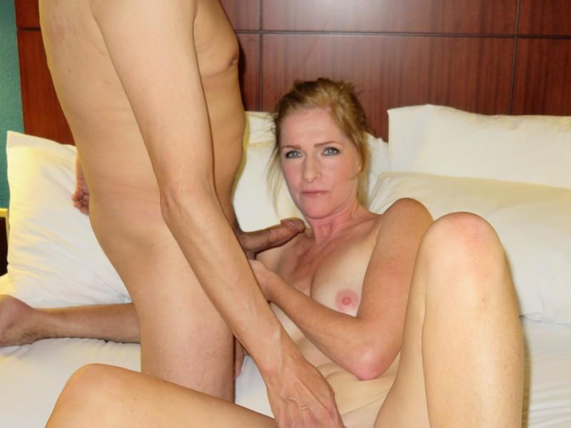 порно фото бабушка насилует внучку