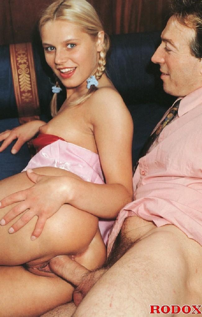 Категория порно онлайн: Инцест Порно, секс с мамой, отцом ...