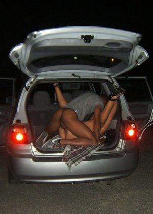 Жены сосут у незнакомцев в машинах