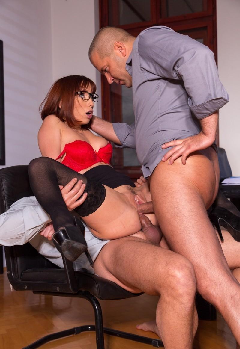 порно видео секс в офисе