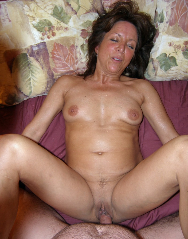 Naked Mature Amateurs
