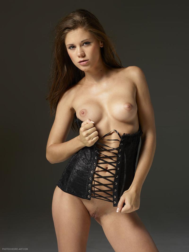 Willa holland nude pics